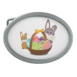 Dos conejos de conejito con los huevos de Pascua e Hebillas De Cinturon Ovales