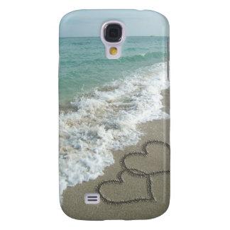Dos corazones de la arena en la playa, océano romá funda para galaxy s4