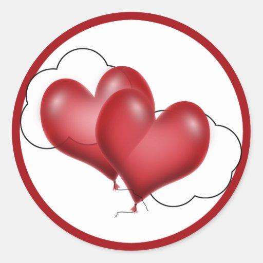 Dos corazones del globo con la nube pegatinas redondas