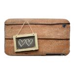Dos corazones dibujados en la pequeña pizarra en iPhone 3 funda
