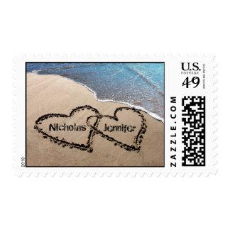 Dos corazones en sellos de encargo del boda de la