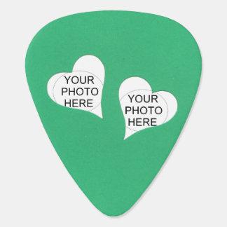 Dos corazones en verde añaden las fotos plectro