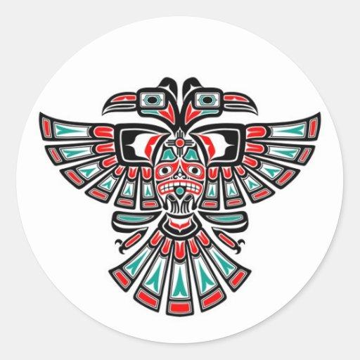 Dos dirigieron el pájaro del alcohol del Haida en  Etiqueta Redonda