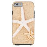 Dos estrellas de mar en una playa funda de iPhone 6 tough