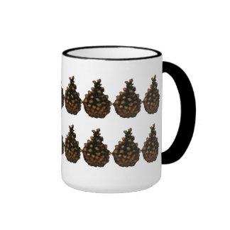 Dos filas de los conos del pino:  Arte del pastel Taza A Dos Colores