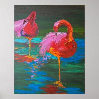 Dos flamencos rosados en el lago verde (arte de K. Póster