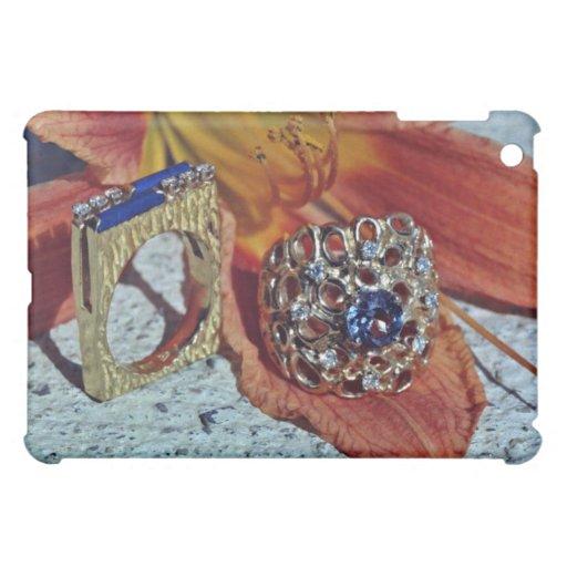 Dos flores de los anillos de las señoras
