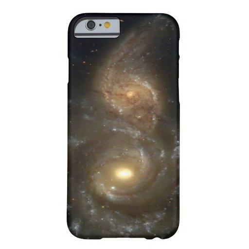 Dos galaxias espirales que chocan funda de iPhone 6 slim