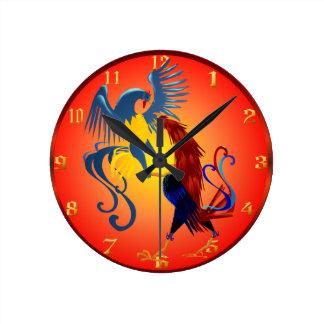 Dos gallos que luchan coloridos Wallclock Reloj Redondo Mediano