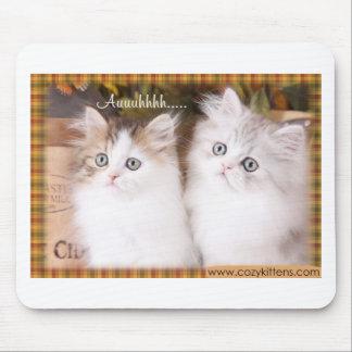 Dos gatitos acogedores lindos alfombrilla de ratones
