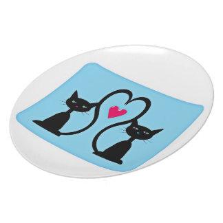 Dos gatitos adorables plato para fiesta
