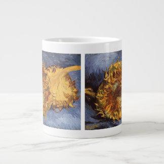 Dos girasoles cortados de Vincent van Gogh Taza Grande