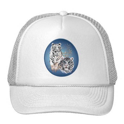 Dos gorras blancos del óvalo de los tigres