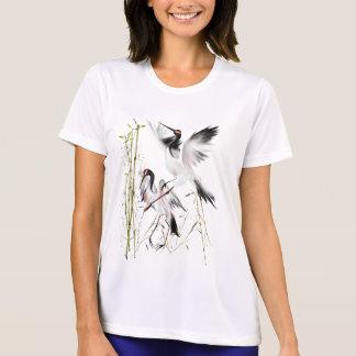 Dos grúas en el camisetas de bambú playera