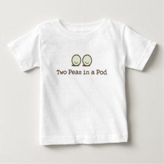 Dos guisantes en una vaina - gemelos t-shirts
