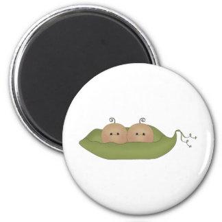 Dos guisantes en una vaina imán redondo 5 cm