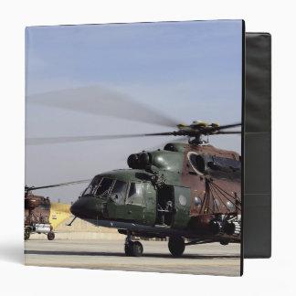 """Dos helicópteros iraquíes de la cadera Mi-17 Carpeta 1 1/2"""""""