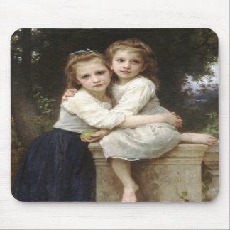 Dos hermanas alfombrilla de ratón