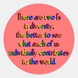 Dos i en pegatinas de la diversidad pegatina redonda