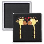 Dos jirafas con los corazones rojos del amor. Dibu Imán De Nevera