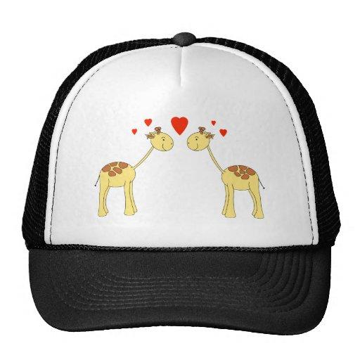 Dos jirafas que hacen frente con los corazones. Hi Gorros Bordados