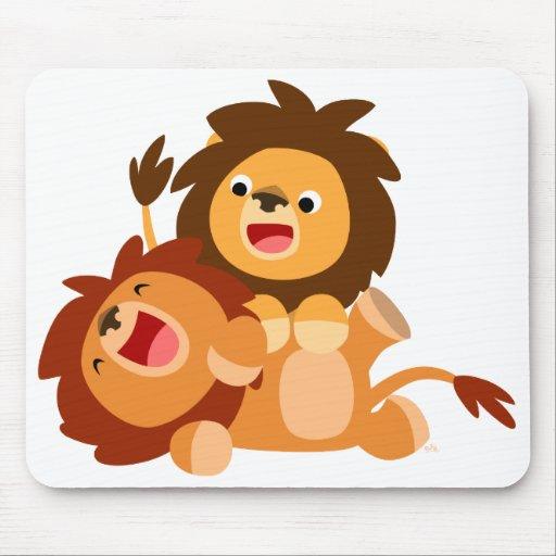 Dos leones juguetones lindos Mousepad del dibujo a