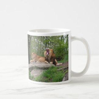 Dos leones taza de café