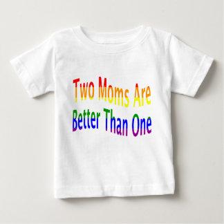 Dos mamáes mejoran (el arco iris) playera