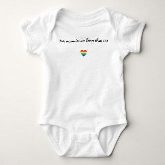 Dos mamás son mejores de una camisa del bebé