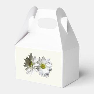 Dos margaritas con volantes blancas caja para regalos