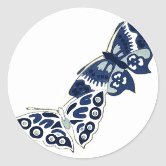 Dos mariposas del azul del vintage pegatina redonda