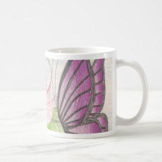 dos mariposas por un loto taza clásica