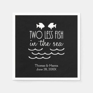Dos menos pescados en el boda del mar servilleta desechable