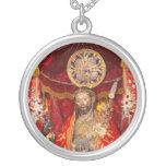 """DOS Milagres de Senhor Santo Cristo "" Collar Plateado"