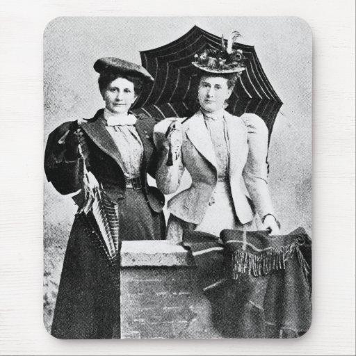 Dos mujeres del Victorian, 1898 Tapete De Raton