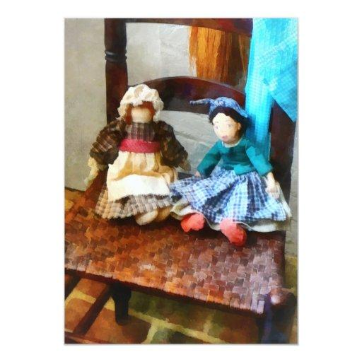 Dos muñecas de trapo coloniales invitación 12,7 x 17,8 cm