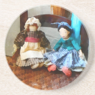 Dos muñecas de trapo coloniales posavasos manualidades