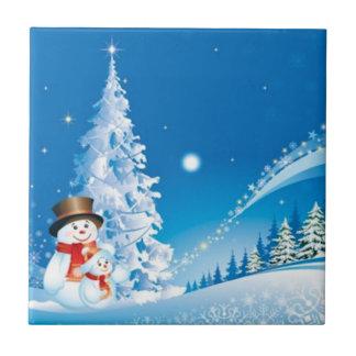 Dos muñecos de nieve felices azulejo cuadrado pequeño