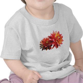 Dos niños anaranjados de las dalias camiseta