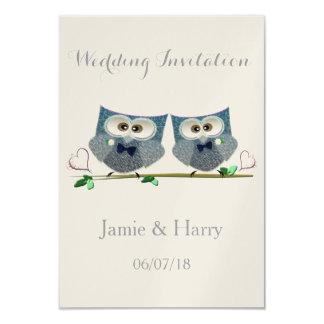 Dos novios que casan tarjetas de la invitación