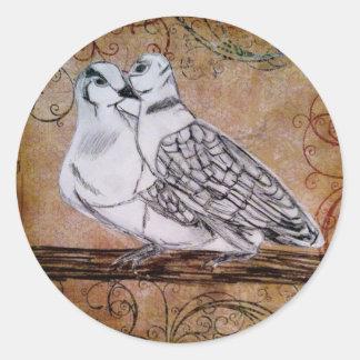 Dos palomas de la tortuga pegatina redonda