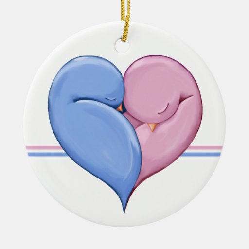 Dos palomas un ornamento del boda del corazón adorno redondo de cerámica