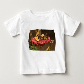 Dos para hacer una camiseta infantil playeras