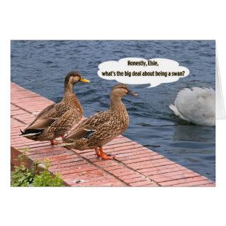 Dos patos y una tarjeta de la cola del cisne