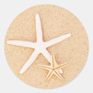 Dos pegatinas de las estrellas de mar pegatina redonda