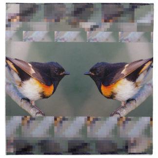 Dos pequeños pájaros lindos americanos - los niños servilletas imprimidas