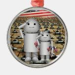 Dos pequeños robots patrióticos con las porciones  adorno de navidad
