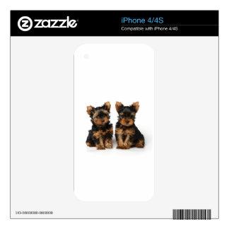 Dos pequeños supers skin para el iPhone 4S