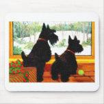 Dos perros de Scotty en el navidad Alfombrilla De Raton