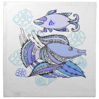 Dos pescados y conchas de berberecho servilleta